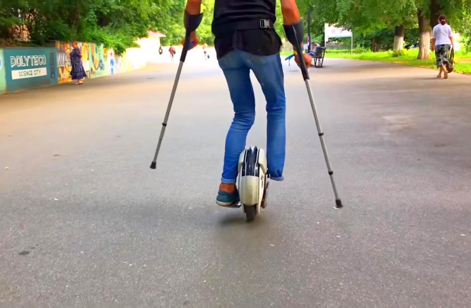 Инвалид на моноколесе