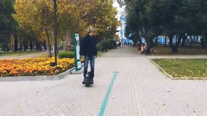 Езда задним ходом на моноколесе