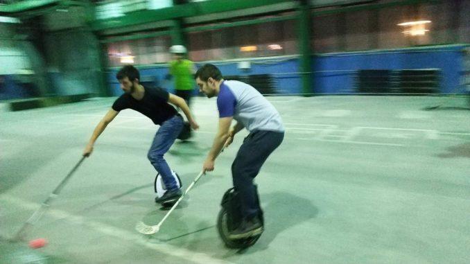 Моноколесный хоккей