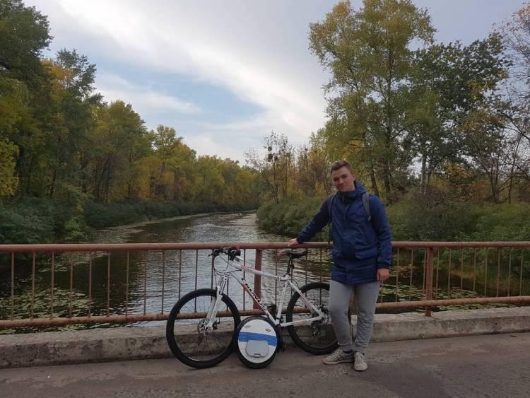 На моноколесе ездят по правилам велосипедистов