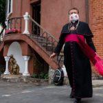 Паломничества отменили, но вот что придумал минский священник